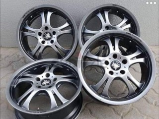 17 inches Japanese rims for immediate sale